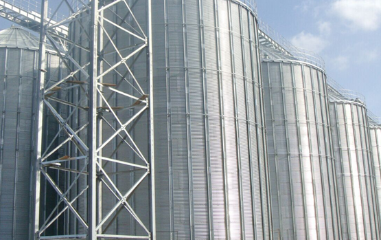 bolted steel silo.jpg